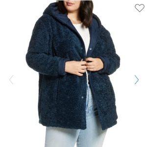 Halogen reversible faux fur blue cozy winter coat